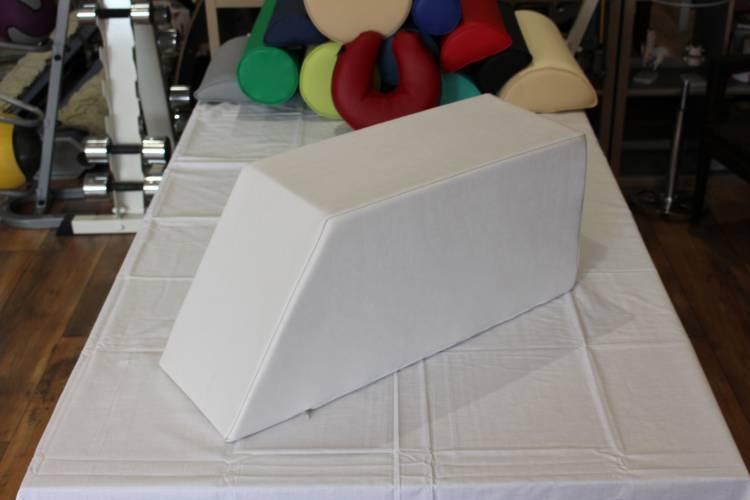Öffne Lymphdrainagekeil ohne Beinmulde, 70 x 25 x 30 cm, AUSSTELLUNGSSTÜCK